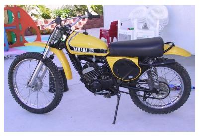 dirt bike pics of classic yamaha enduros