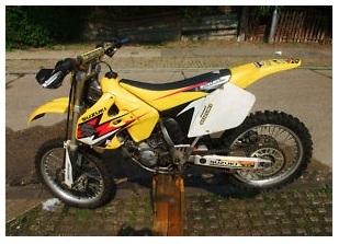 suzuki rm 125 suzuki dirt bike